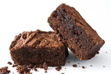BROWNIE TREAT EGG-FREE CAKE MIX